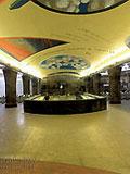 """Станция метро """"Маяковская"""". Новый подземный вестибюль станции. Вид по входу в вестибюль."""