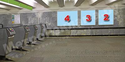 """Станция """"Новогиреево"""". Южный подземный вестибюль станции. Несветовые щиты, рекламные места ?? 2, 3, 4. Хороший обзор по выходу пассажиров в город."""