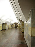 """Станция метро """"Шоссе Энтузиастов"""". """"Пилоны-Атланты"""" держат на своих могучих плечах станционный небоСвод"""